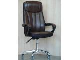 Кресло крутящиеся со слитными ручками (цвет коричневый)